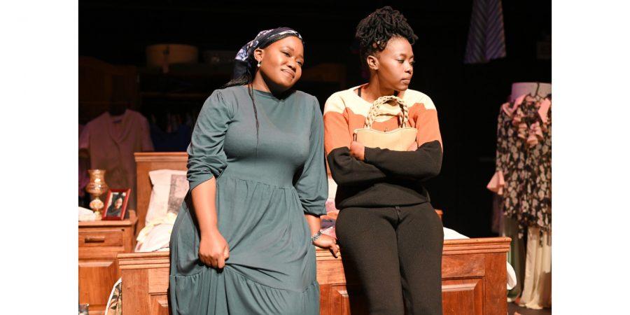 Diaparo tsa Mama starring Lerato Gwebu and Ziaphora Dakile. Photo: Suzy Bernstein.